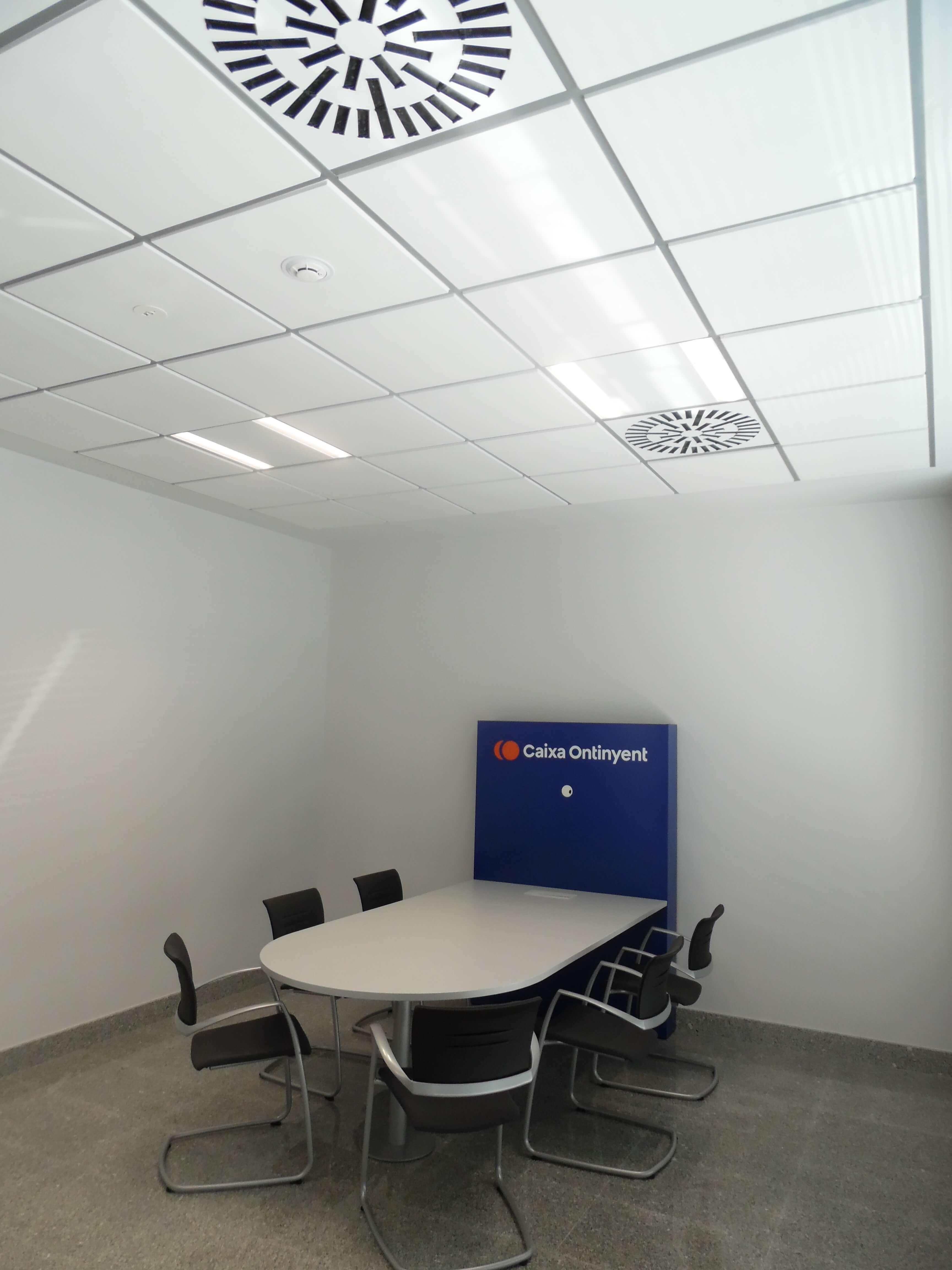 Oficina ibi caixa ontinyent inel valencia alicante for Red oficinas la caixa