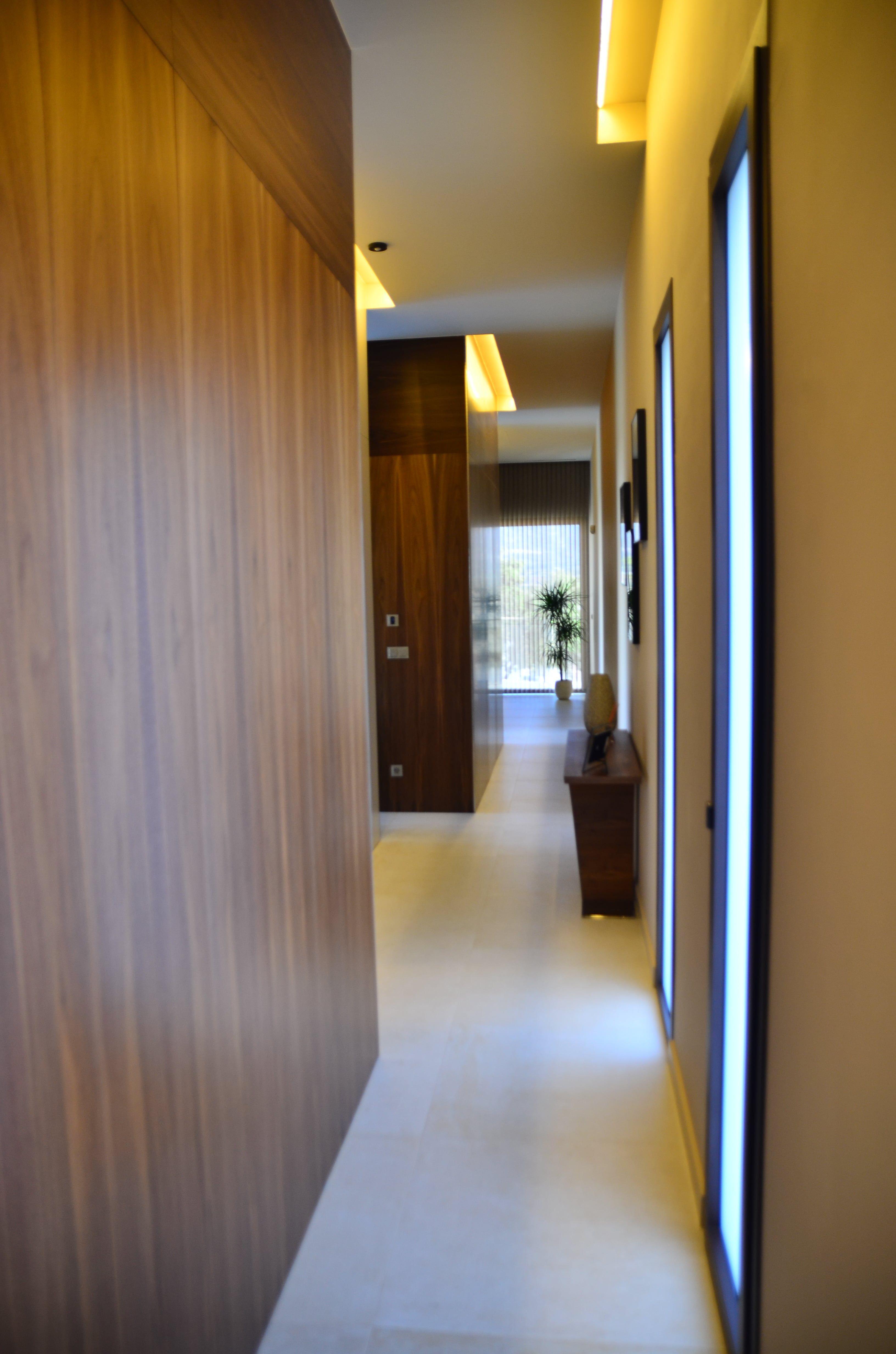 Iluminación pasillo vivienda Inel