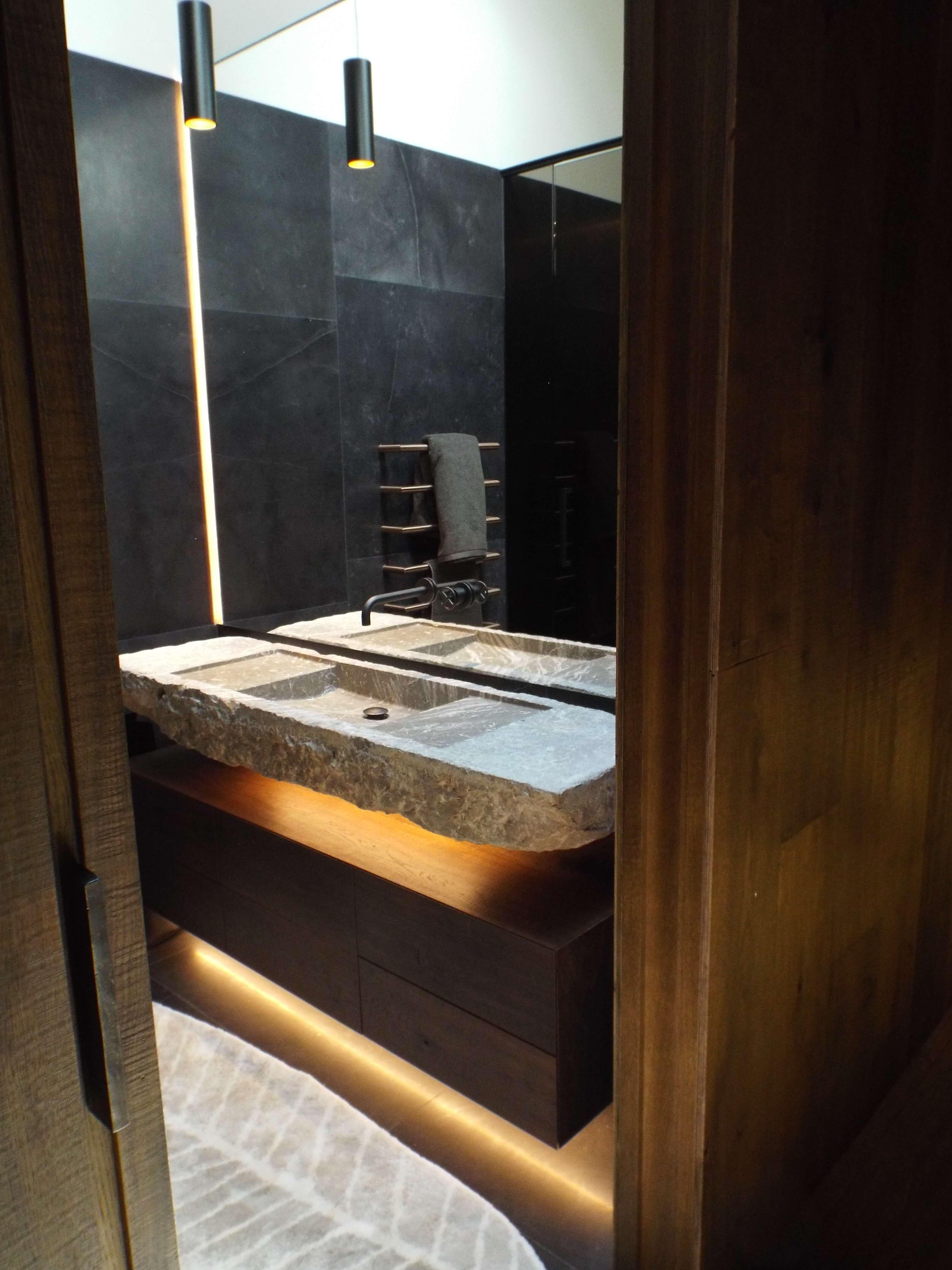 Iluminación cuarto de baño casa rubielos de mora teruel - Inel