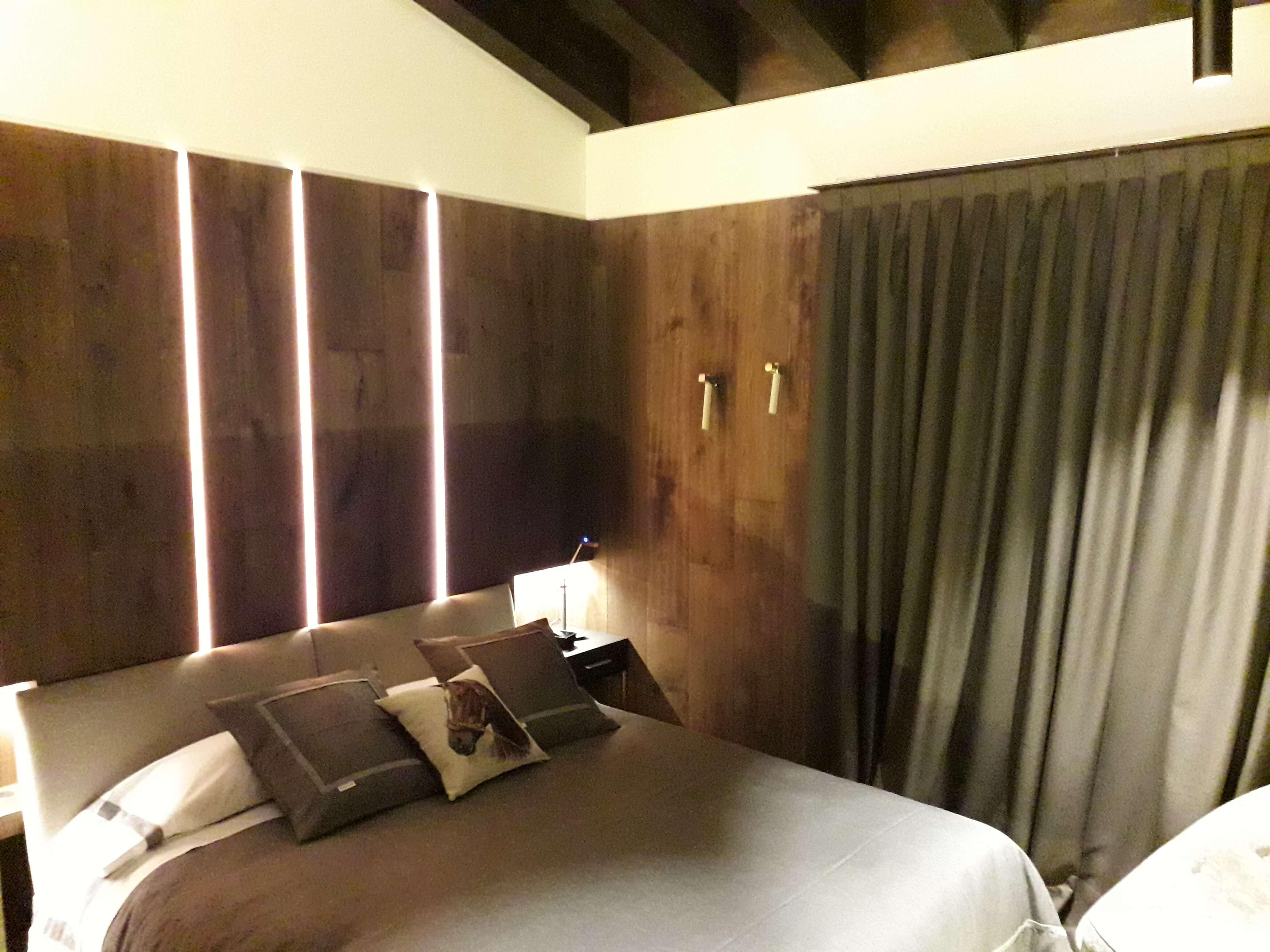 Iluminacion dormitorio casa rubielos de mora teruel - Inel