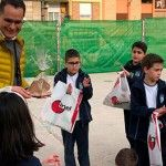 Los alumnos con los detalles de la visita de Inel