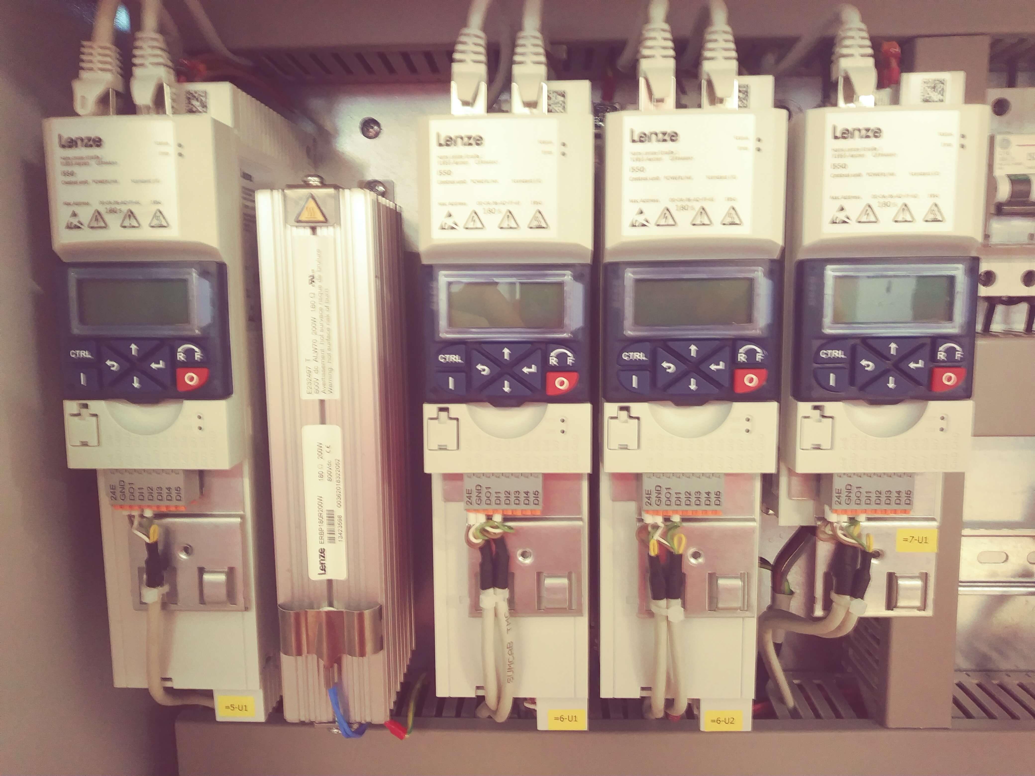 Accionamientos Lenze i500 control y movi máquina - Inel